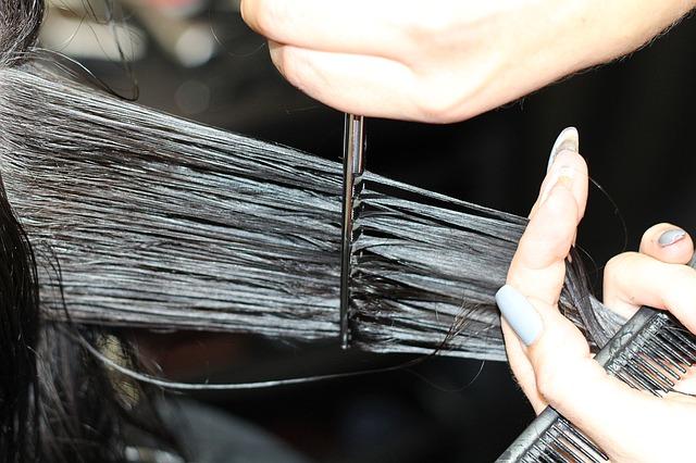 stříhání vlasů.jpg