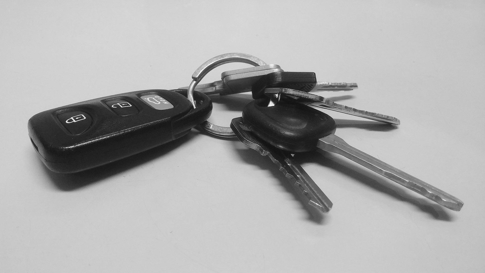 klíčky od automobilu